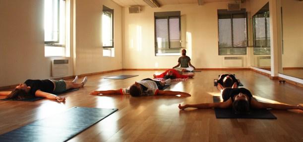 Séance de yoga : moment de détente.