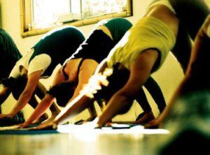 Yoga dynamique (Ashtanga)en centre-ville Jeudi 20h00 à 21h30 (Danse au Pluriel)!